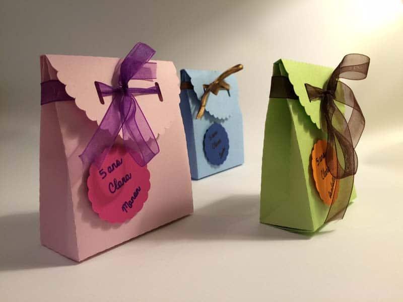 pochette bonbons boite carton anniversaire enfant garçon fille silhouette caméo portrait studio