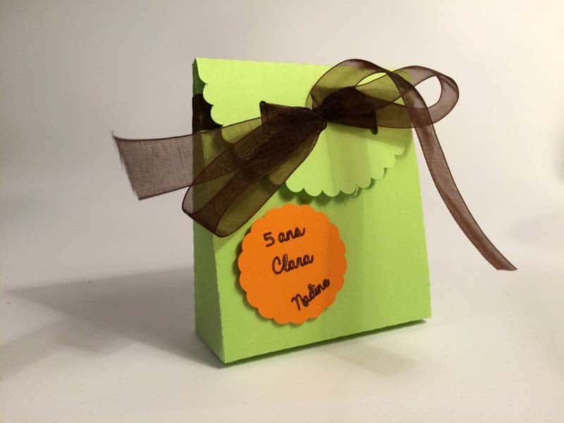 pochette bonbons boite carton anniversaire adulte fille silhouette caméo portrait studio