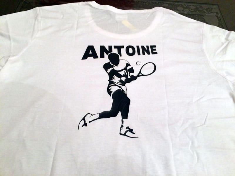t-shirt tennis personnalisé prénom antoine silhouette caméo portrait flex