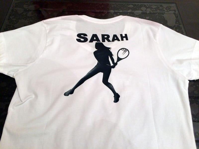t-shirt tennis personnalisé prénom sarah silhouette caméo portrait flex