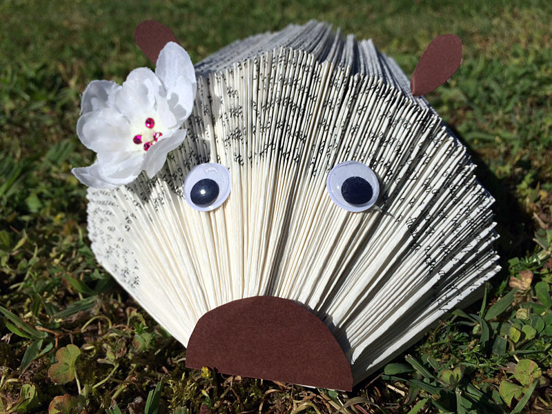 hérisson porte papiers livre photo tuto tutoriel comment fairetuto hérisson livre papier porte document photo diy scrapbooking hedgehog