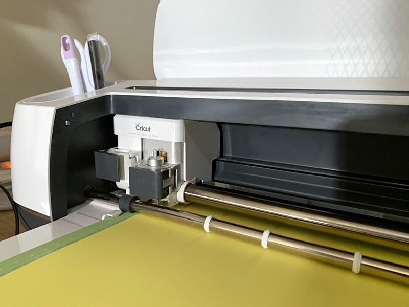 découpe papier cricut maker