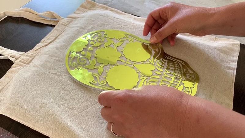 tuto cricut easypress poser flex personnaliser t-shirt tote bag tissu