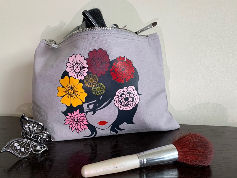 personnalisation pochette maquillage trousse toilette flex visage femme fleurs